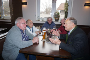 Gründungsmitglieder und Altlandrat Hans Schuierer